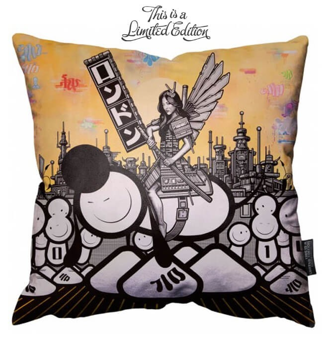 The London Police - Samurai - Coussin de Sol 100x100 cm